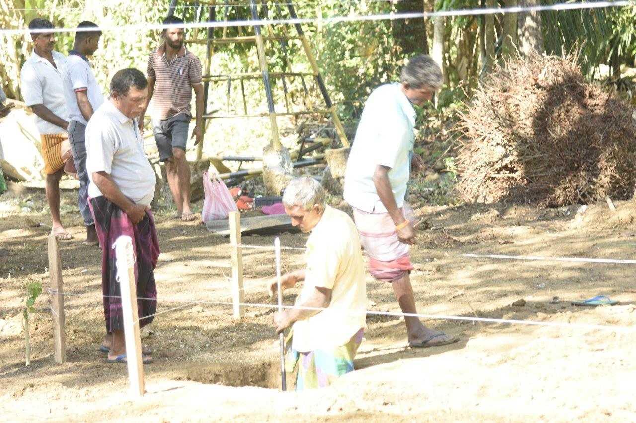 Spatenstich der AMONDO Schule in Sri Lanka