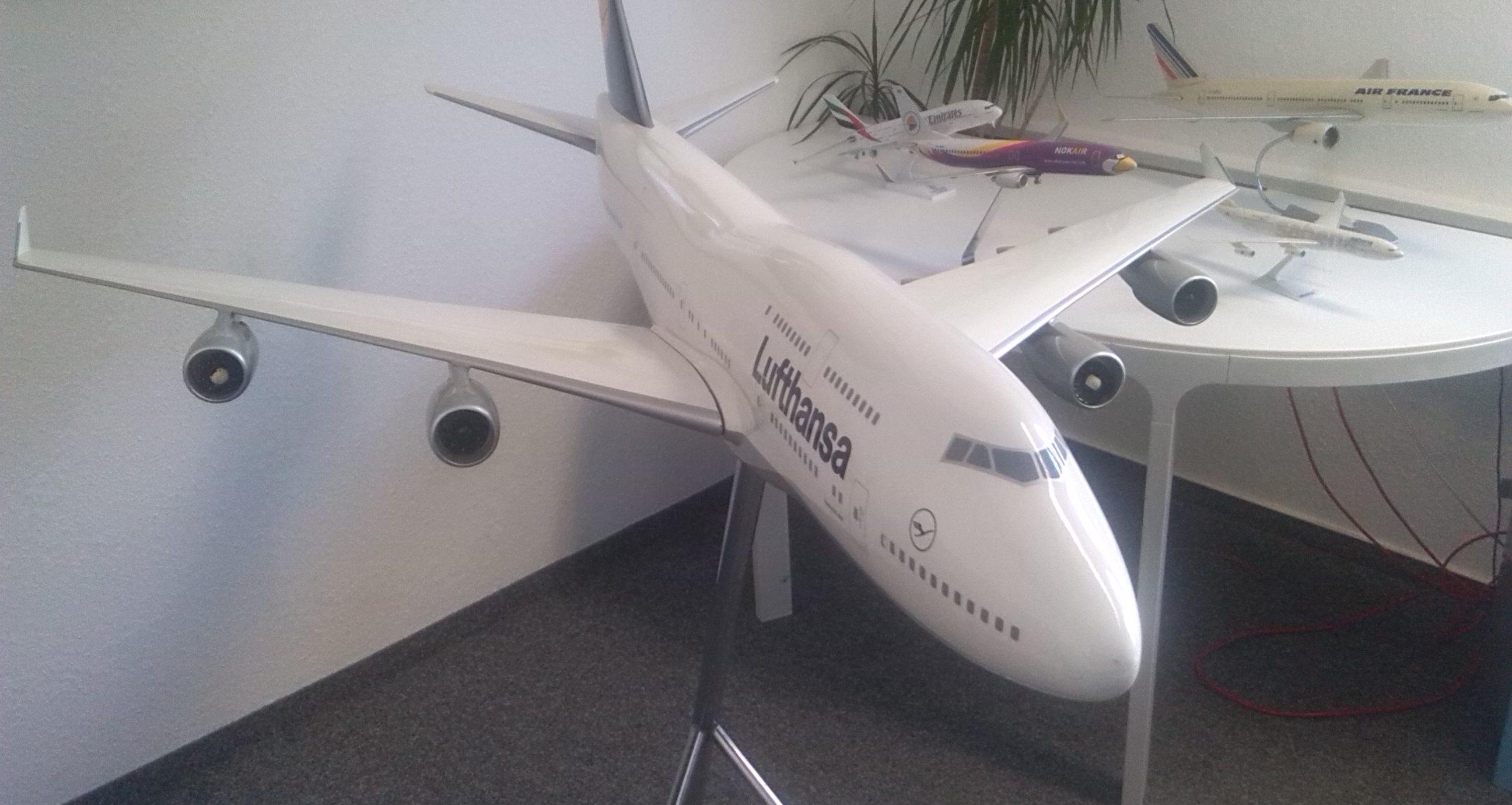 Flugzeugmodell Lufthansa Boing 747-400